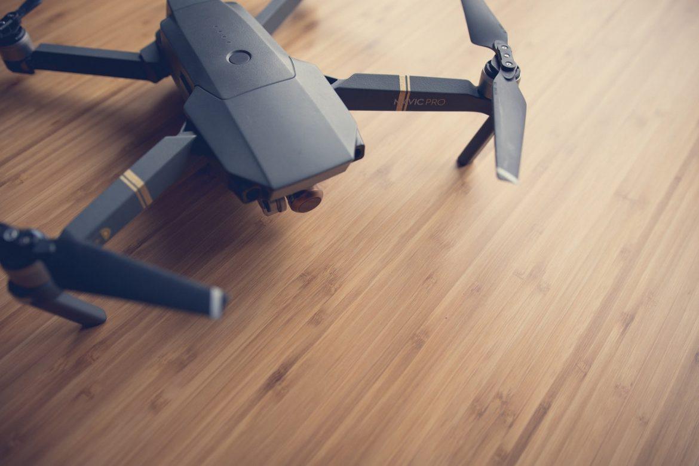 Najlepsze drony do podróży